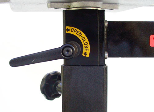 Glide bar tray table brake system